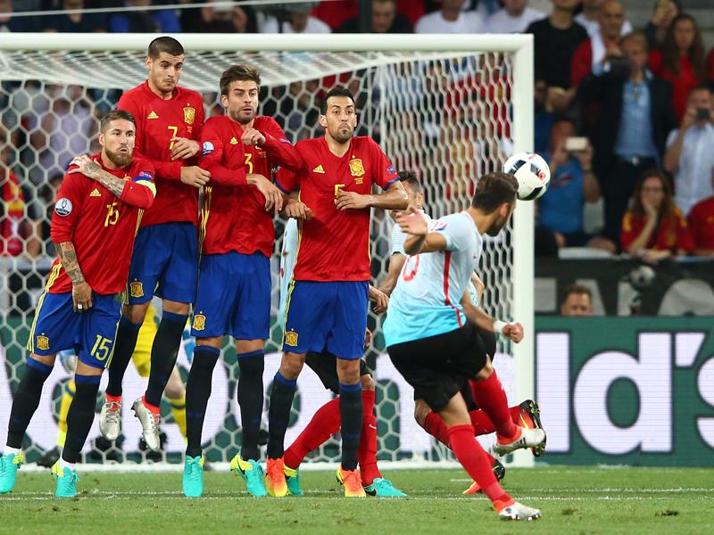 FKの名手として知られるチャルハノール [写真]=Getty Images