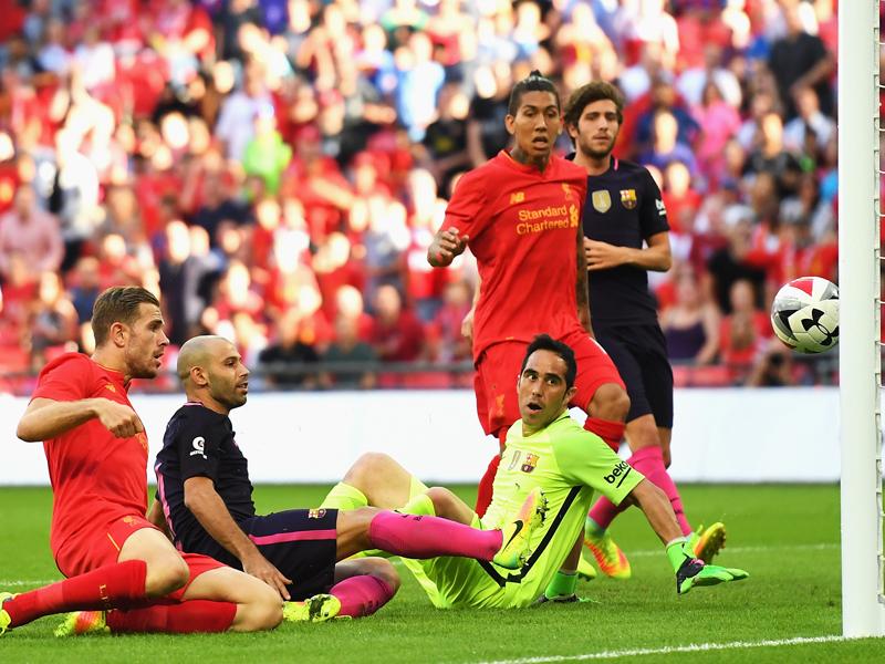 マスチェラーノ(左から2人目)のオウンゴールでリヴァプールが2点目を記録 [写真]=Getty Images