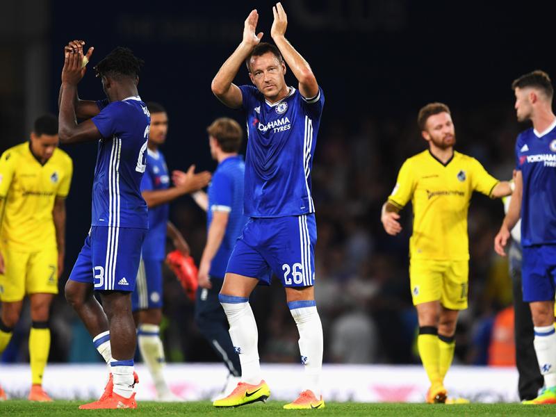 後半途中からピッチに立ったテリー(中央) [写真]=Chelsea FC via Getty Images