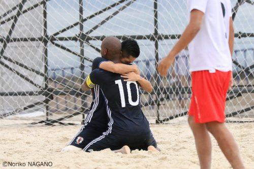 アジア制覇へ弾み、ビーチサッカー日本代表がW杯準優勝のタヒチに2戦2勝でベトナムへ出発