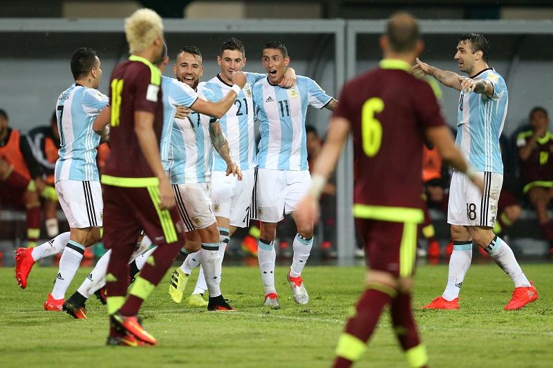 同点ゴールを喜ぶアルゼンチン代表 [写真]=LatinContent/Getty Images