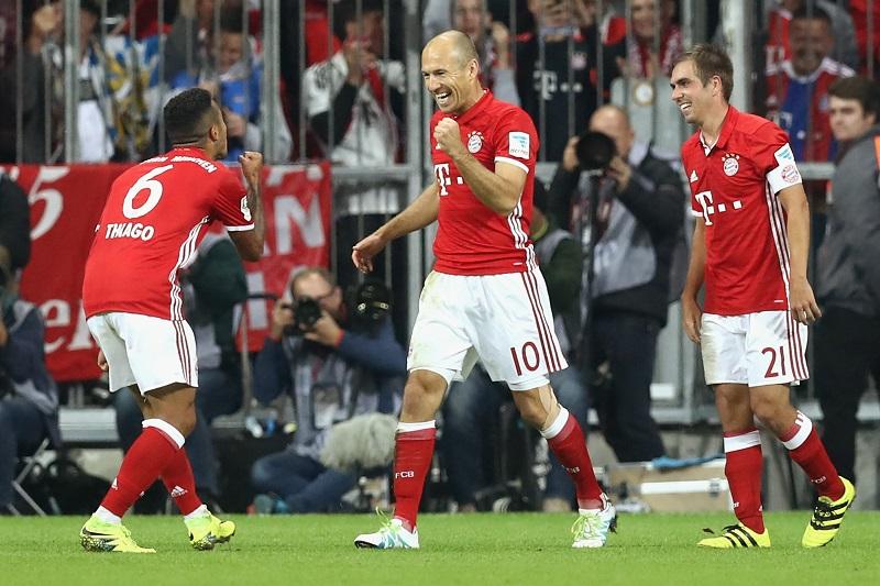 リーグ戦初出場を果たしたロッベン(中央)もゴールを挙げた [写真]=Getty Images