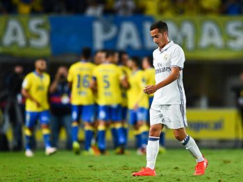 LAS PALMAS, SPAIN - SEPTEMBER 24:  Lucas Vzaquez of Real Madrid CF reacts dejected after Sergio Araujo of UD Las Palmas scored his team's second goal during the La Liga match between UD Las Palmas and Real Madrid CF on September 24, 2016 in Las Palmas, Spain.  (Photo by David Ramos/Getty Images)