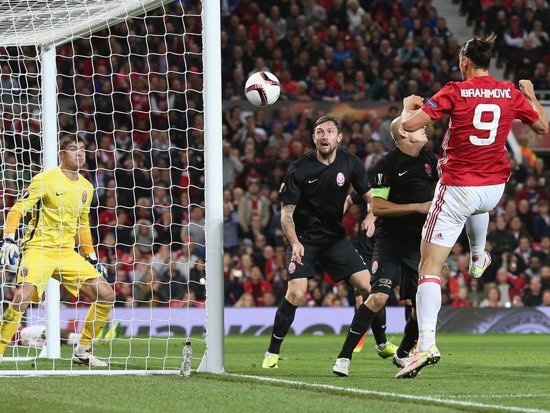ヘディングシュートで決勝ゴールを決めたイブラヒモヴィッチ(9番) [写真]=Man Utd via Getty Images
