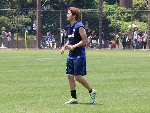 内田篤人、復帰の見通しは? シャルケ幹部「3週間以内にボールを…」