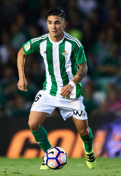SEVILLE, SPAIN - SEPTEMBER 23:  Felipe Gutierrez of Real Betis Balompie in actionduring the match between Real Betis Balompie vs Malaga CF as part of La Liga at Benito Villamarin stadium on September 23, 2016 in Seville, Spain.  (Photo by Aitor Alcalde Colomer/Getty Images)
