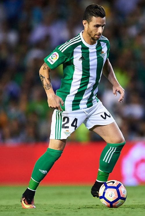 SEVILLE, SPAIN - SEPTEMBER 23:  Ruben Castro of Real Betis Balompie in action during the match between Real Betis Balompie vs Malaga CF as part of La Liga at Benito Villamarin stadium on September 23, 2016 in Seville, Spain.  (Photo by Aitor Alcalde Colomer/Getty Images)