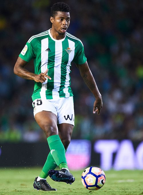 SEVILLE, SPAIN - SEPTEMBER 23:  Ryan Donk of Real Betis Balompie in action during the match between Real Betis Balompie vs Malaga CF as part of La Liga at Benito Villamarin stadium on September 23, 2016 in Seville, Spain.  (Photo by Aitor Alcalde Colomer/Getty Images)