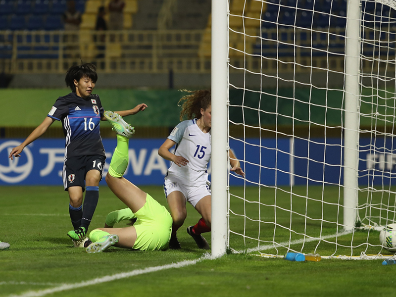 遠藤純(16番)がこぼれ球を押し込んで先制ゴールを記録 [写真]=FIFA via Getty Images