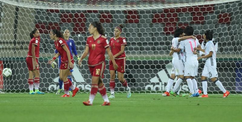日本はオウンゴールで貴重な追加点を得た [写真]=FIFA via Getty Images
