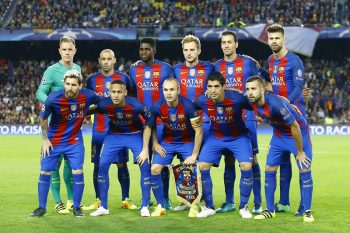 Teamphoto FC Barcelona upper row (l-r): Marc Andre ter Stegen of FC Barcelona, Javier Mascherano of Barcelona, Samuel Umtiti of FC Barcelona, Ivan Rakitic of FC Barcelona, Sergio Busquets of FC Barcelona, Gerard Pique of FC Barcelona Front row (l-r): Lionel Messi of FC Barcelona, Neymar da Silva Santos Junior of FC Barcelona, Andres Iniesta of FC Barcelona, Luis Suarez of FC Barcelona, Jordi Alba of FC Barcelonaduring the UEFA Champions League group C match between FC Barcelona and Manchester City on October 19, 2016 at the Camp Nou stadium in Barcelona, Spain.(Photo by VI Images via Getty Images)