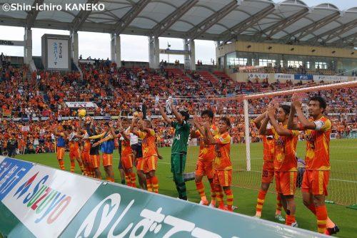 松本と岡山の上位対決はドロー C大阪と清水が勝利で2位争いが混戦に/J2第35節