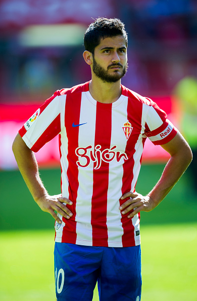 GIJON, SPAIN - SEPTEMBER 11:  Nacho Cases of Real Sporting de Gijon looks on prior to the start the La Liga match between Real Sporting de Gijon and Club Deportivo Leganes at Estadio El Molinon on September 11, 2016 in Gijon, Spain.  (Photo by Juan Manuel Serrano Arce/Getty Images)