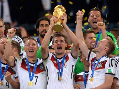 """●W杯歴代最多得点のクローゼが現役引退 監督目指しドイツ代表に""""復帰"""""""