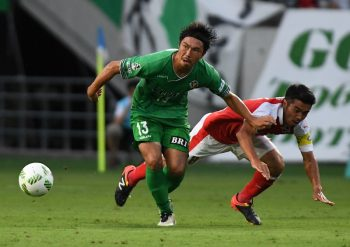 CHOFU, JAPAN - JULY 31:  (CHINA OUT, SOUTH KOREA OUT) Yuji Funayama #13 of Tokyo Verdy cin action during the J.League second division match between Tokyo Verdy and Roasso Kumamoto at the Ajinomoto Stadium on July 31, 2016 in Chofu, Tokyo, Japan.  (Photo by Masashi Hara/Getty Images)