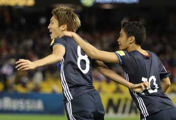 MELBOURNE, AUSTRALIA - OCTOBER 11:  Genki Haraguchi of Japan celebrates with Shinji Kagawa after scoring a goal during the 2018 FIFA World Cup Qualifier match between the Australian Socceroos and Japan at Etihad Stadium on October 11, 2016 in Melbourne, Australia.  (Photo by Robert Cianflone/Getty Images)