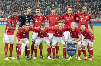 MUNICH, GERMANY - OCTOBER 19: Team of FC Bayern Munich pose before the UEFA Champions League group D match between Bayern Munich and PSV Eindhoven at Allianz Arena on October 19, 2016 in Munich, Germany. (Photo by Marc Mueller/Bongarts/Getty Images)