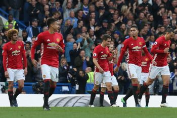 LONDON, ENGLAND - OCTOBER 23:  Marouane Fellaini, Jesse Lingard, Ander Herrera, Chris Smalling and Zlatan Ibrahimovic of Manchester United react to conceding a goal during the Premier League match between Chelsea and Manchester United at Stamford Bridge on October 23, 2016 in London, England.  (Photo by John Peters/Man Utd via Getty Images)