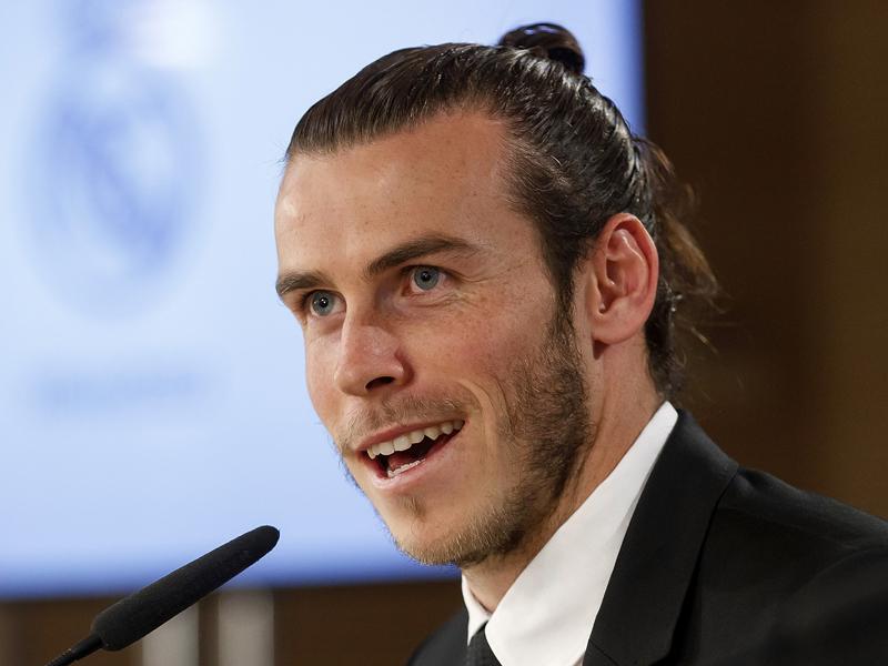 記者会見に臨んだベイル [写真]=Real Madrid via Getty Images