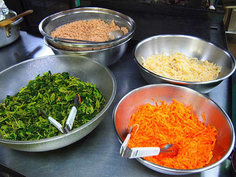 食事は栄養士管理の献立