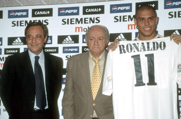 Presentation of Ronaldo like new player from the Real Madrid Florentino Perez and Alfredo Di Stefano next to Ronaldo