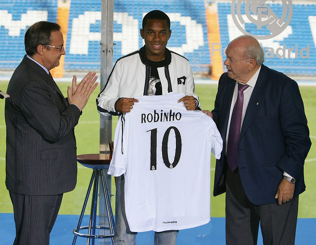 Robinho signs for Real Madrid