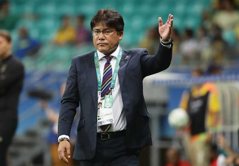 SALVADOR, BRAZIL - AUGUST 10:  Makato Teguramori, head coach of Japan gestures during the Men's Football match between Japan and Sweden on Day 5 of the Rio 2016 Olympic Games at Arena Fonte Nova on August 10, 2016 in Salvador, Brazil.  (Photo by Chung Sung-Jun - FIFA/FIFA via Getty Images)