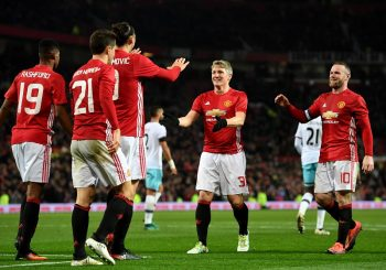 MANCHESTER, ENGLAND - NOVEMBER 30:  Zlatan Ibrahimovic of Manchester United celebrates with team mates after scoring his team's fourth goal of the game during the EFL Cup quarter final match between Manchester United and West Ham United at Old Trafford on November 30, 2016 in Manchester, England.  (Photo by Shaun Botterill/Getty Images)