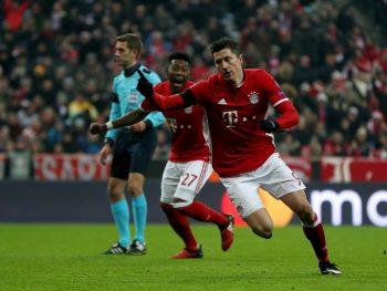 MUNICH, GERMANY - DECEMBER 06:  Robert Lewandowski of Bayern celebrates after he scores the opening goal during the UEFA Champions League match between FC Bayern Muenchen and Club Atletico de Madrid at Allianz Arena on December 6, 2016 in Munich, Bavaria, Germany.  (Photo by A. Beier/Getty Images for FC Bayern )