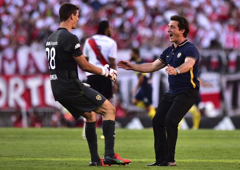 勝利を喜ぶバロシュケロット監督(右) [写真]=Getty Images