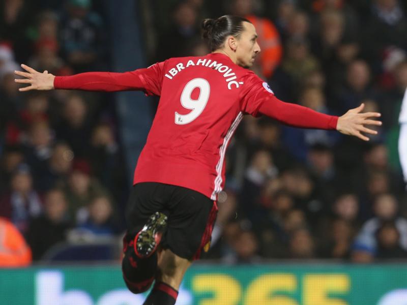 先制ゴールを決めて喜ぶイブラヒモヴィッチ [写真]=Man Utd via Getty Images