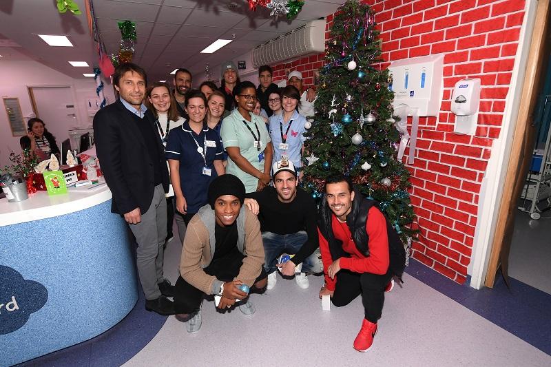 病院を訪れたチェルシーの選手ら [写真]=Getty Images