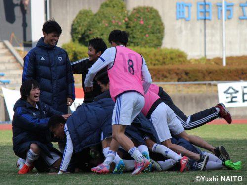 ●35年ぶり出場の日本体育大、PK戦制してインカレ4強へ…関西学院大は連覇ならず
