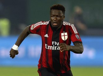 DUBAI, UNITED ARAB EMIRATES - DECEMBER 30:  Sulley Ali Muntari of AC Milan breaks with the ball during the Dubai Football Challenge match between AC Milan and Real Madrid at The Sevens Stadium  on December 30, 2014 in Dubai, United Arab Emirates.  (Photo by Francois Nel/Getty Images)