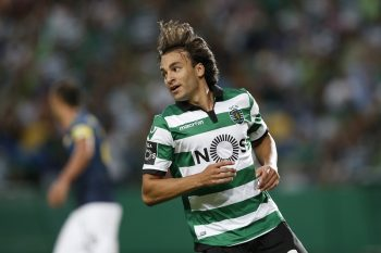 Sporting's forward Lazar Markovic during Premier League 2016/17 match between Sporting CP vs Moreirense FC, in Lisbon, on September 10, 2016. (Photo by Carlos Palma/NurPhoto via Getty Images)
