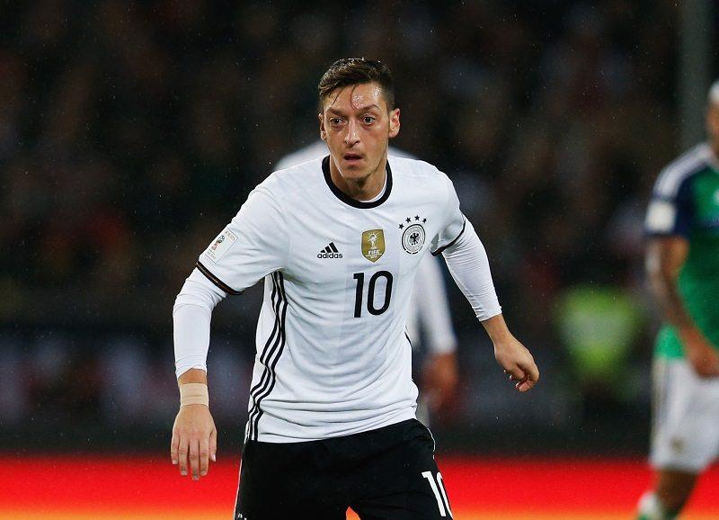 エジル、2016年のドイツ年間最優秀選手に\u20262年連続通算5度目の受賞