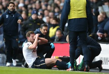 LONDON, ENGLAND - JANUARY 14: Jan Vertonghen of Tottenham Hotspur goes down injured during the Premier League match between Tottenham Hotspur and West Bromwich Albion at White Hart Lane on January 14, 2017 in London, England.  (Photo by Tottenham Hotspur FC/Tottenham Hotspur FC via Getty Images)