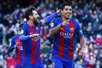 BARCELONA, SPAIN - JANUARY 14:  Luis Suarez of FC Barcelona celebrates with his team mate Lionel Messi after scoring his team's first goal during the La Liga match between FC Barcelona and UD Las Palmas at Camp Nou stadium on January 14, 2017 in Barcelona, Spain.  (Photo by David Ramos/Getty Images)
