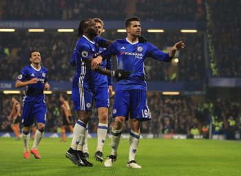 LONDON, ENGLAND - JANUARY 22:  Diego Costa (R) of Chelsea celebrates scoring the opening goal with his team mates during the Premier League match between Chelsea and Hull City at Stamford Bridge on January 22, 2017 in London, England.  (Photo by Richard Heathcote/Getty Images)