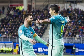 EIBAR, SPAIN - JANUARY 22: Luis Suarez of FC Barcelona celebrates with his teammates  Lionel Messi of FC Barcelona after scoring his team's third goal during the La Liga match between SD Eibar and FC Barcelona at Ipurua Municipal Stadium on January 22, 2017 in Eibar, Spain.  (Photo by Juan Manuel Serrano Arce/Getty Images)