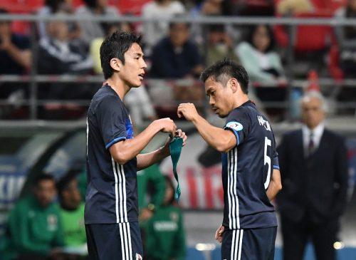 ●長友、ブンデス日本人最多出場記録更新の長谷部を称賛「尊敬の念を抱く」