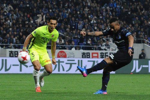 Gamba Osaka v Urawa Red Diamonds - J.League J1