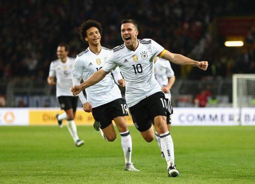 ●「まるで映画のよう」…ポドルスキ、ドイツ代表引退試合で有終の豪快ミドル