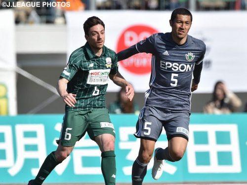 ●ユニフォームの見分けつかず試合中断…岐阜と松本の一戦で珍事発生