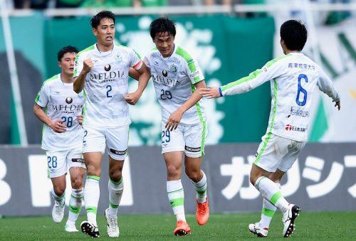 東京Vの連勝が5でストップ…湘南が逆転で注目の上位対決を制す