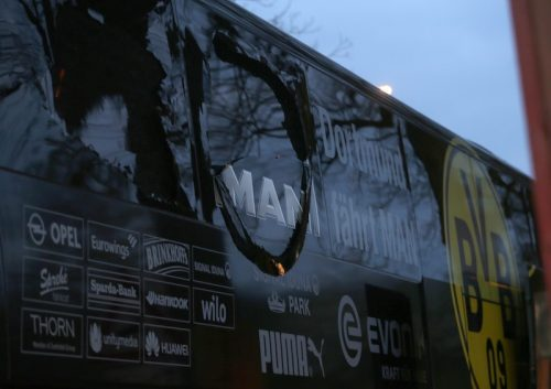 ●ドルトムントのチームバス付近で爆発、バルトラが負傷…CLモナコ戦延期に