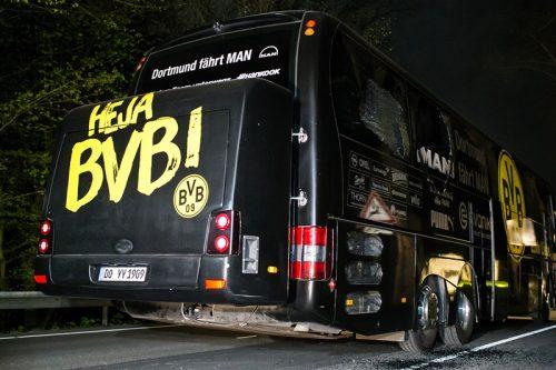 ドルトムントチームバス