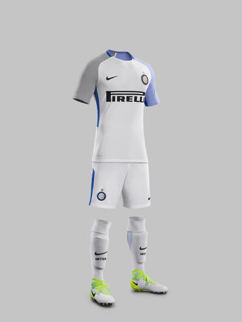 Fy17-18_Club_Kits_A_Full_Body_Match_Inter_Milan_R_71114