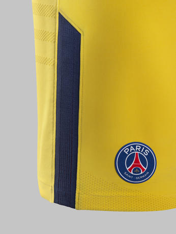 Fy17-18_Club_Kits_A_Short_Match_PSG_R_71166