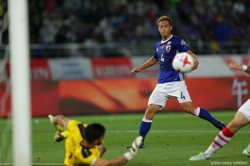 ●右MFで攻撃を活性化させた本田圭佑「インサイドで勝負するつもり」